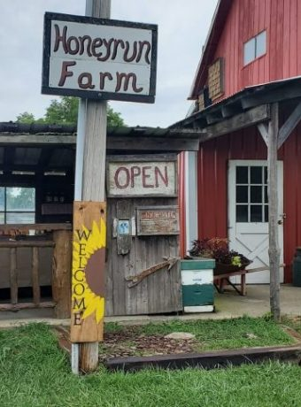Honeyrun Farm Stand in Williamsport, Ohio