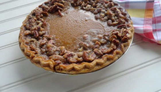 Pumpkin Pie with Praline Edge
